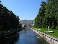Вид на Дворец и каскад с канала