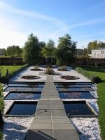 Водные террасы и партер в регулярной части парка
