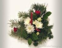 Настольная флористическая новогодняя композиция со свечкой