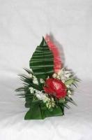 Настольная флористическая композиция к Новому году