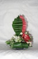 Оформление свадьбы цветами. Композиция «Алые паруса»