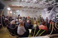 Белая волна из журавликов. Авторы студенты, выпускники и преподаватели ВШЛАиД МАРХИ